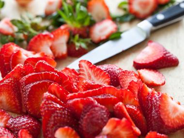 strawberry-lemon-peel-111612-ew-380